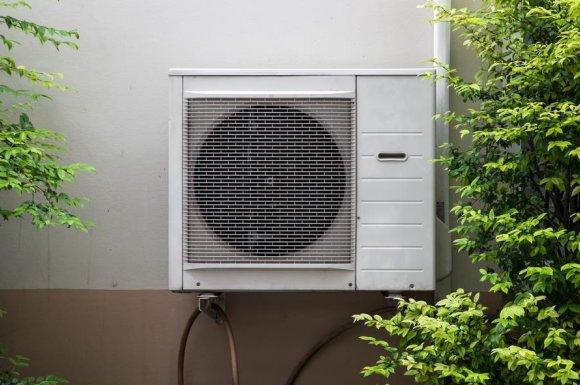 Professionnel pour la pose d'une climatisation réversible - La Tour-du-Pin - Loic Micoud - Chauffage Plomberie